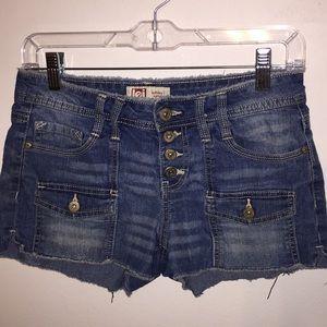 Lei Shorts Size 3 Reg